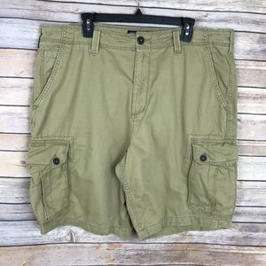 🆕 American Eagle Khaki Cargo At The Knee Shorts